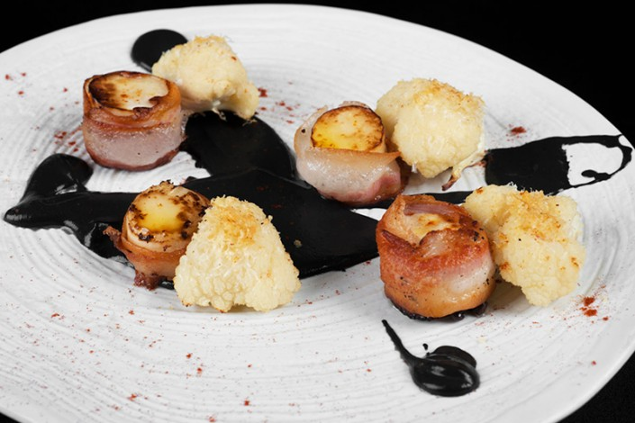 Sea scallop, lard and cauliflower